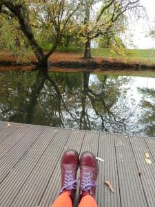 Wasser und Schuhe